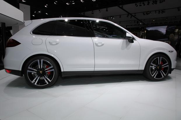 2014 Porsche Cayenne Turbo S: Detroit Auto Show featured image large thumb8