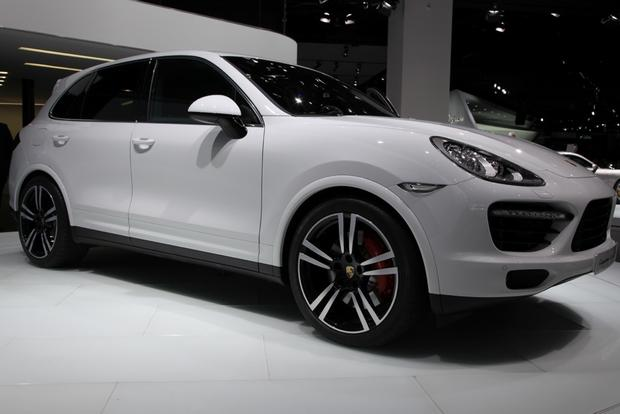 2014 Porsche Cayenne Turbo S: Detroit Auto Show featured image large thumb9