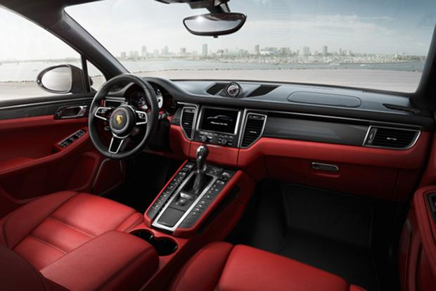 2015 porsche cayenne vs 2015 porsche macan whats the difference featured image large - 2016 Porsche Cayenne Interior