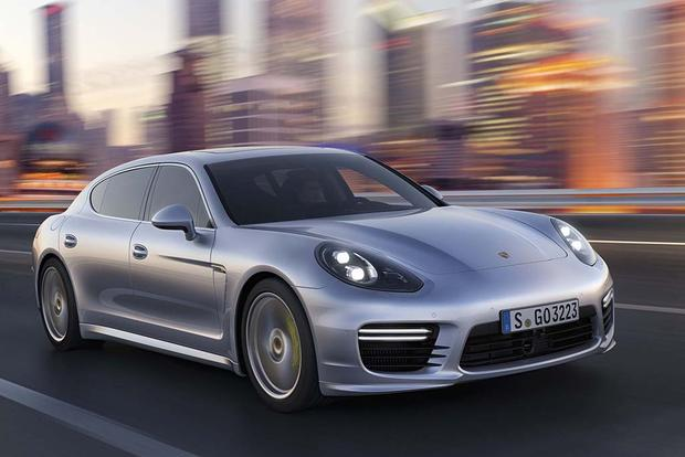 2016 Porsche Panamera: New Car Review featured image large thumb1