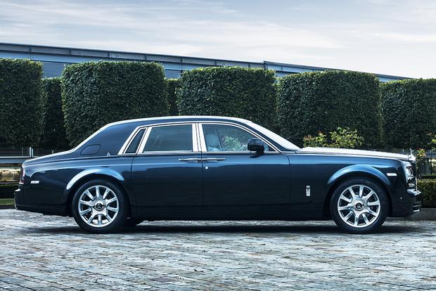 2017 Rolls-Royce Phantom: Overview featured image large thumb1
