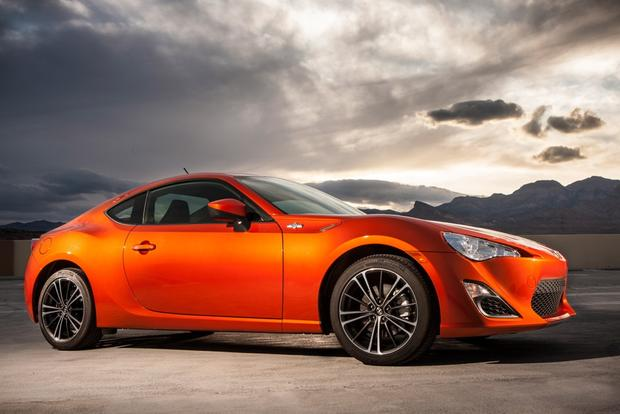 2013 Scion FR-S: New Car Review Video featured image large thumb4