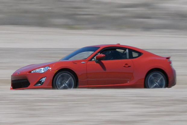 2015 Scion FR-S vs. 2015 Subaru BRZ: What's the Difference? featured image large thumb9
