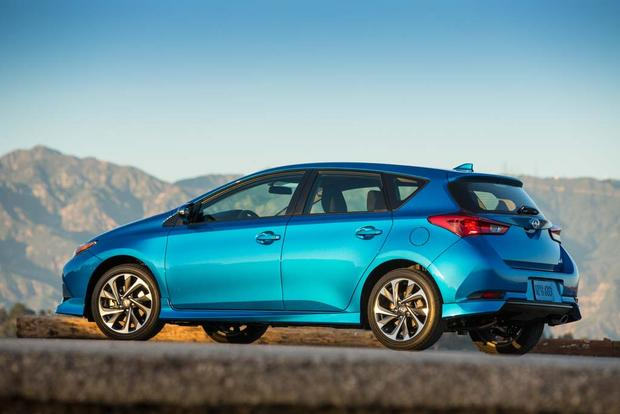 2016 Scion iA vs. 2016 Scion iM: What's the Difference? featured image large thumb4