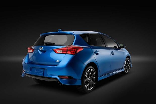 2016 Scion iA vs. 2016 Scion iM: What's the Difference? featured image large thumb10