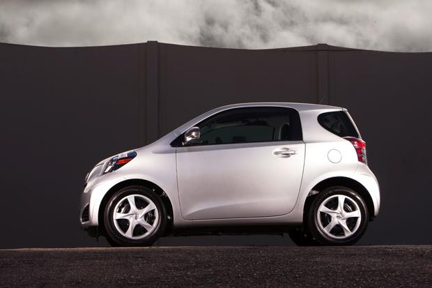 2013 Scion iQ: New Car Review featured image large thumb2