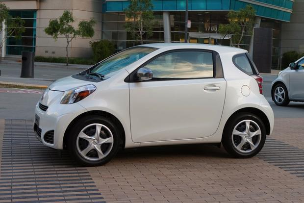 2013 Scion iQ: New Car Review featured image large thumb3