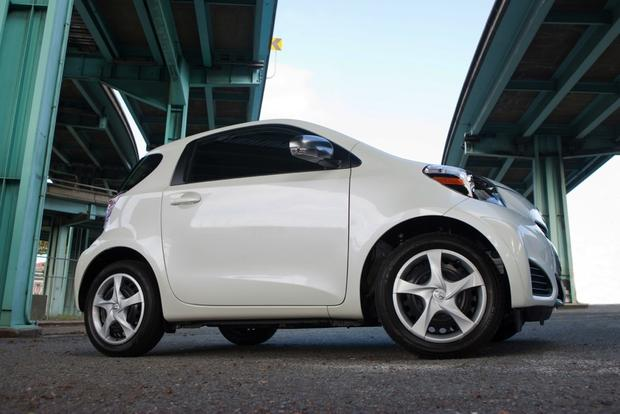 2013 Scion iQ: New Car Review featured image large thumb4