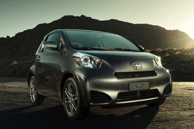 2014 Scion iQ: New Car Review featured image large thumb0