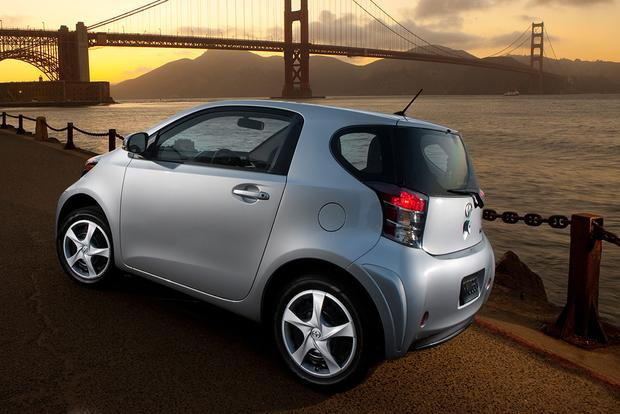 2015 Scion iQ: New Car Review featured image large thumb2