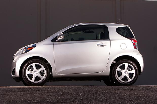 2015 Scion iQ: New Car Review featured image large thumb3