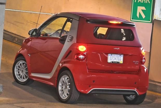 2014 smart fortwo: New Car Review featured image large thumb3