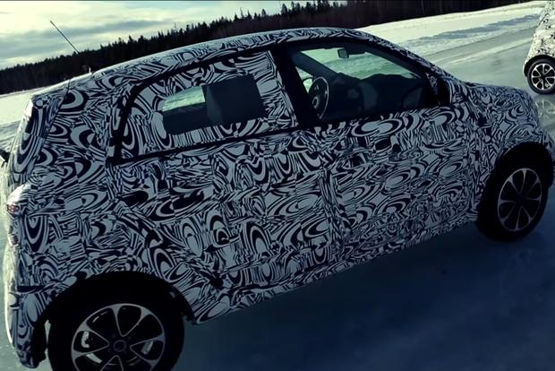 Next-Generation smart fortwo Teased in New Video featured image large thumb0