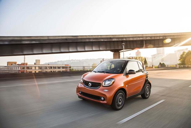 2016 smart fortwo: First Drive Review featured image large thumb4