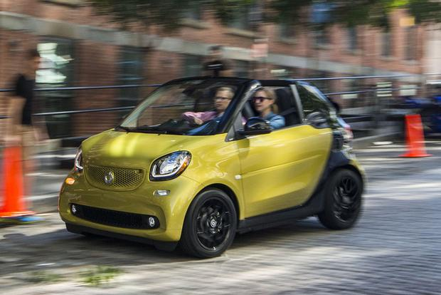 2017 smart fortwo: New Car Review featured image large thumb1