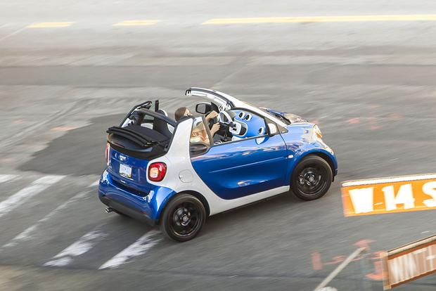 2017 smart fortwo: New Car Review featured image large thumb2