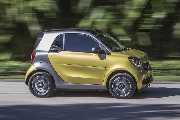 2017 smart fortwo: New Car Review featured image large thumb3