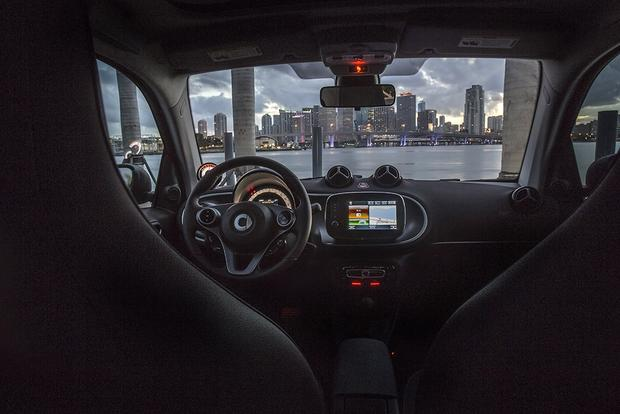 2017 smart fortwo: New Car Review featured image large thumb4