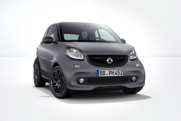 2017 smart fortwo: New Car Review featured image large thumb5