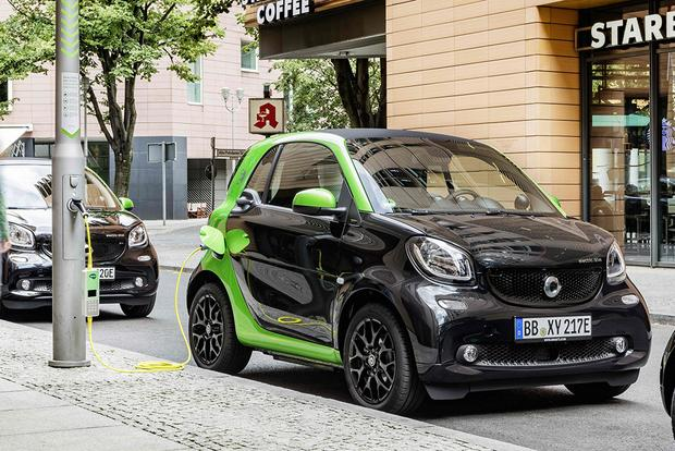 2017 Smart Fortwo Electric Drive First Review Featured Image Large Thumb1