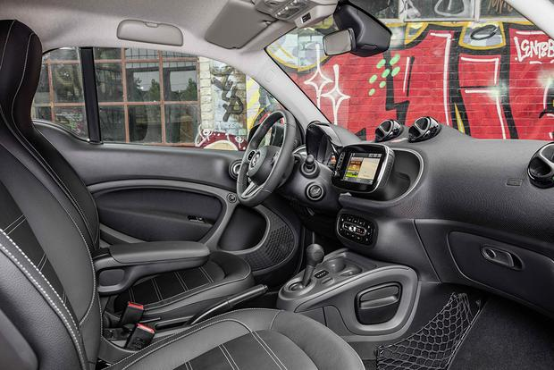 2017 smart fortwo Electric Drive: First Drive Review featured image large thumb5