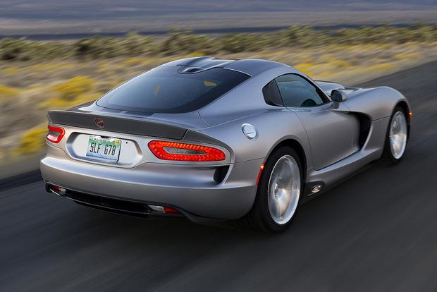2015 Dodge Viper SRT: New Car Review featured image large thumb2