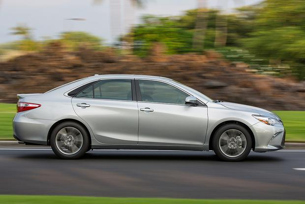 2015 Subaru Legacy vs. 2015 Toyota Camry: Which Is Better? featured image large thumb8