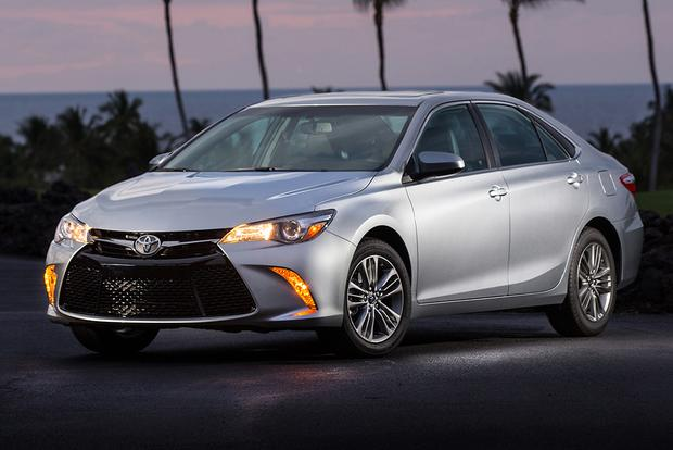 2015 Subaru Legacy vs. 2015 Toyota Camry: Which Is Better? featured image large thumb10