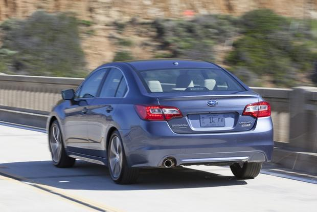 2014 vs. 2015 Subaru Legacy: What's the Difference? featured image large thumb2