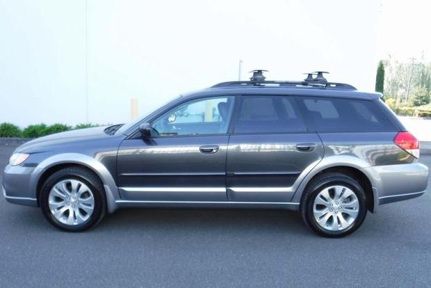2005-2009 Subaru Outback vs. 2007-2011 Honda CR-V: Which Is Better? featured image large thumb3
