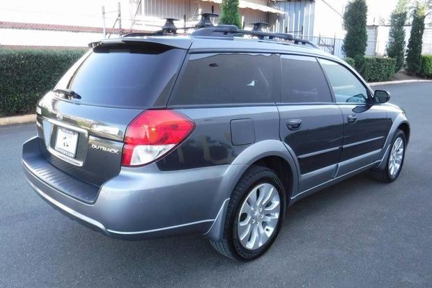 2005 2009 Subaru Outback Vs 2007 2011 Honda Cr V Which