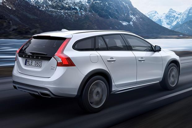 2015 Subaru Outback vs. 2015 Volvo V60: Which Is Better? featured image large thumb4