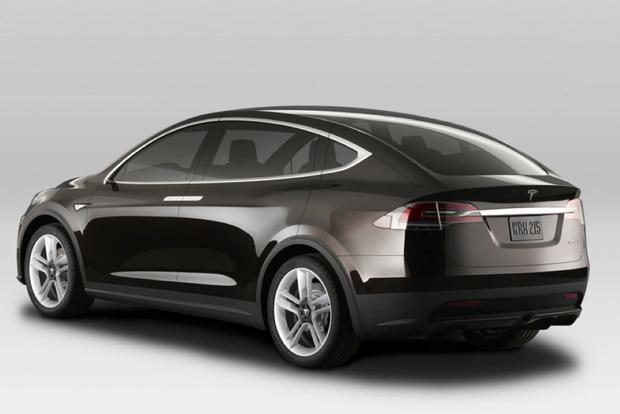 Tesla Model X Will Officially Launch in Early 2015 featured image large thumb1