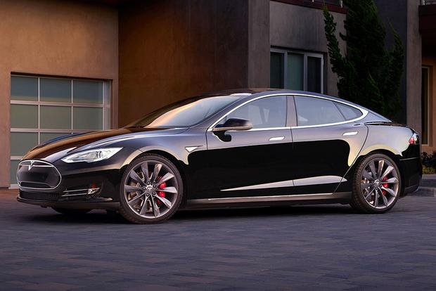 2015 Tesla Model S: New Car Review featured image large thumb0