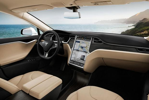 2015 Tesla Model S: New Car Review featured image large thumb2