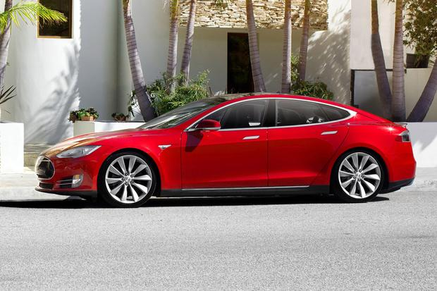 2015 Tesla Model S: New Car Review featured image large thumb3