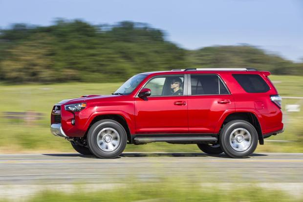 Suvs Like The 2017 Toyota 4runner Are An Endangered Species And At This Size Price Point S Now Iconic 4 Door Off Roader Is Effectively Last
