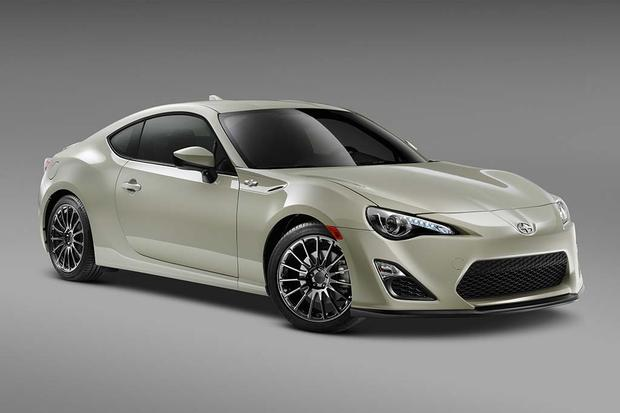 2016 Scion Fr S Vs 2017 Toyota 86 What S The Difference Autotrader