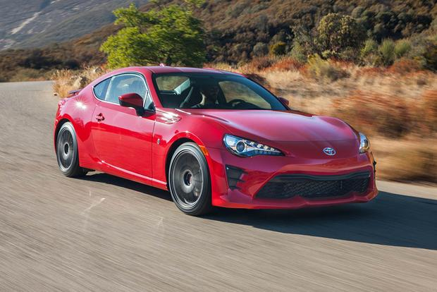 2016 Scion FR-S vs. 2017 Toyota 86: What's the Difference?
