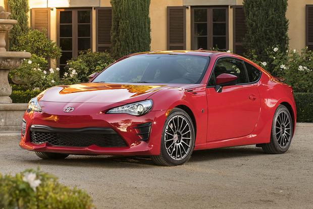 2016 Scion FR-S vs. 2017 Toyota 86: What's the Difference? featured image large thumb10