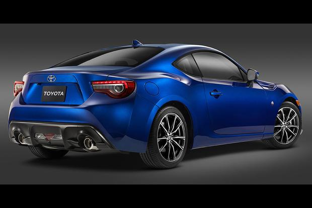 2017 Toyota 86 New Car Review Featured Image Large Thumb3