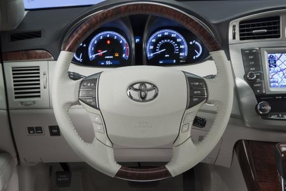2012 Toyota Avalon: New Car Review featured image large thumb5