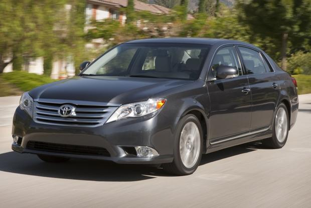 2013 Toyota Avalon: New vs. Old featured image large thumb1