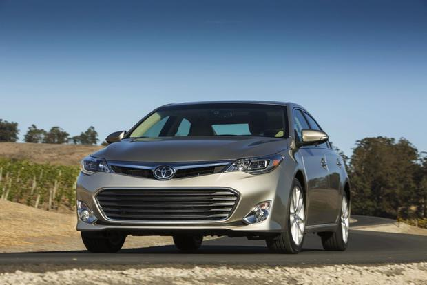 2013 Toyota Avalon: OEM Image Gallery featured image large thumb1