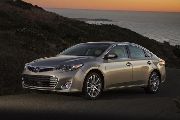 2013 Toyota Avalon: New Car Review featured image large thumb2