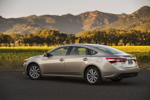 2013 Toyota Avalon: OEM Image Gallery featured image large thumb5