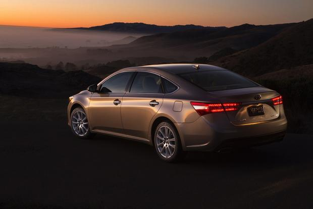 2013 Toyota Avalon: OEM Image Gallery featured image large thumb6