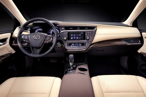 2013 Toyota Avalon: OEM Image Gallery featured image large thumb7