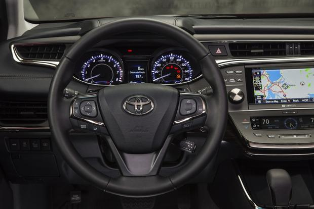 2013 Toyota Avalon: OEM Image Gallery featured image large thumb8