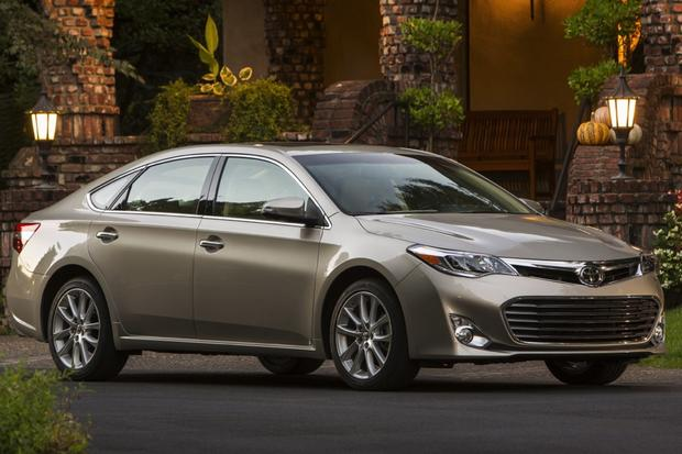 2013 Toyota Avalon New Vs Old Autotrader